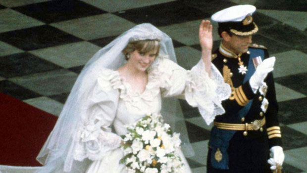 The Crown S Princess Diana Wedding Dress Vs The Real Life Gown Ebiopic Ebiopic Com Biopic Movies Tv Serial Web Series Reviews And News